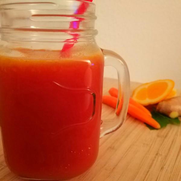 Warmer-Tee-Smoothie-mit-Ingwer-und-Orange_800x800