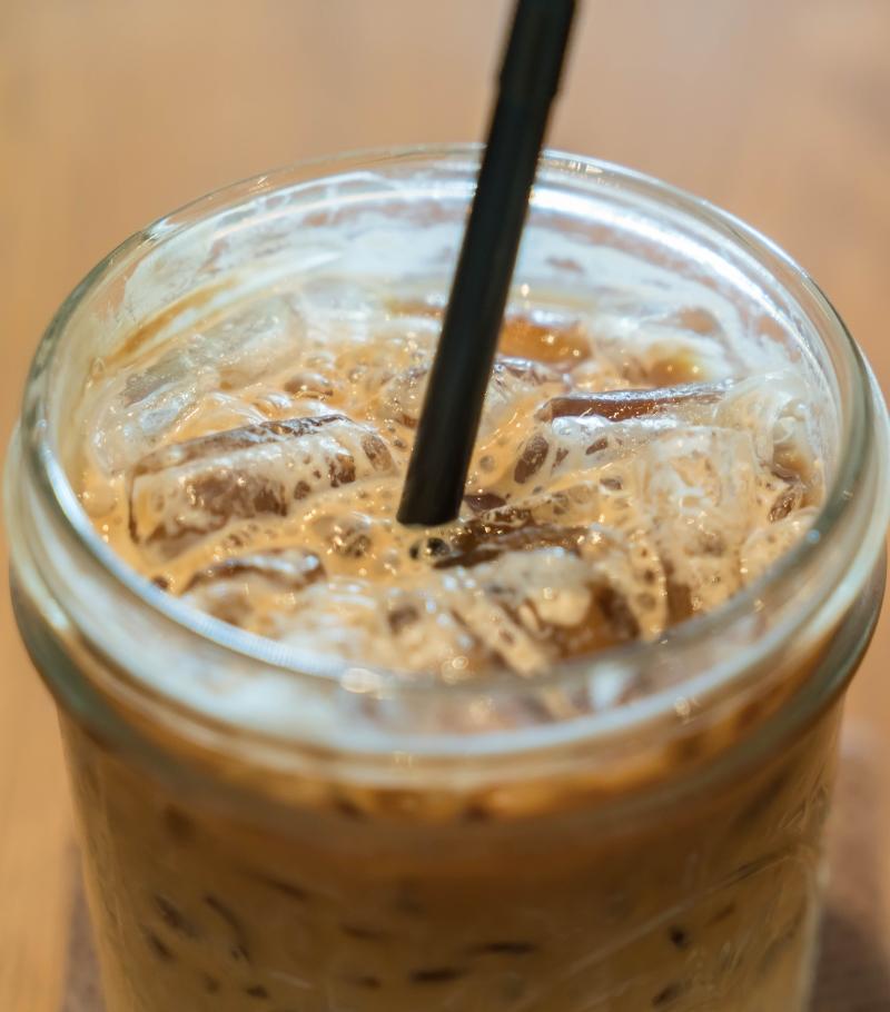 Eiskaffee-mit-Kaffeew-rfel-800x910px