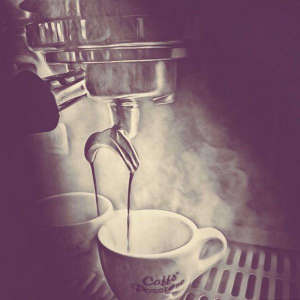 Kaffeetasse_unter_Siebtr-ger_800x800